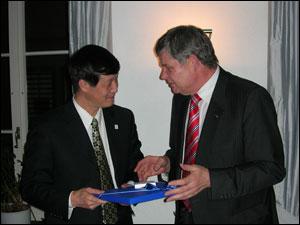 Herr HE Jifeng und Herr Willi MEIER, Zürich, 9.1.2008